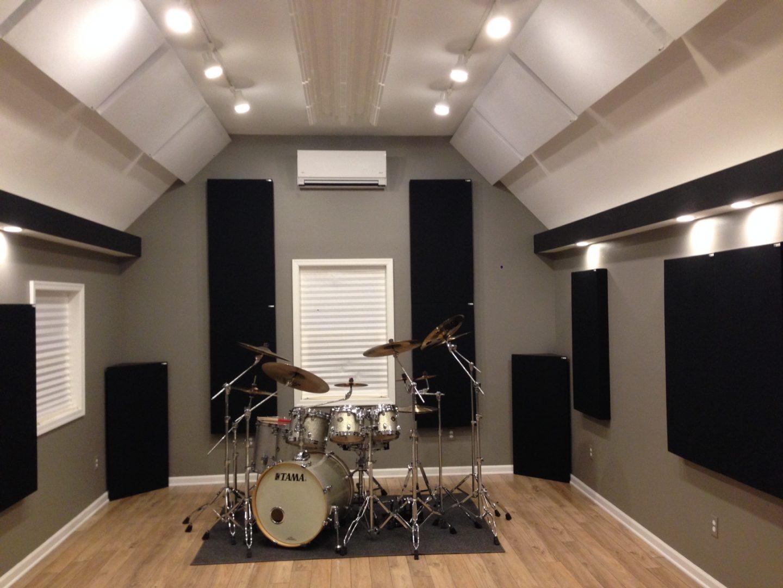 Justin-Vidal-home-studio-GIK-Acoustics-242-Acoustic-Panels