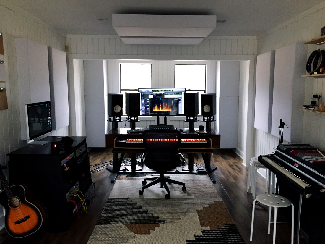 jamesjosephaudio-home-studio-GIK-acoustics-soffit-bass-traps-optimized