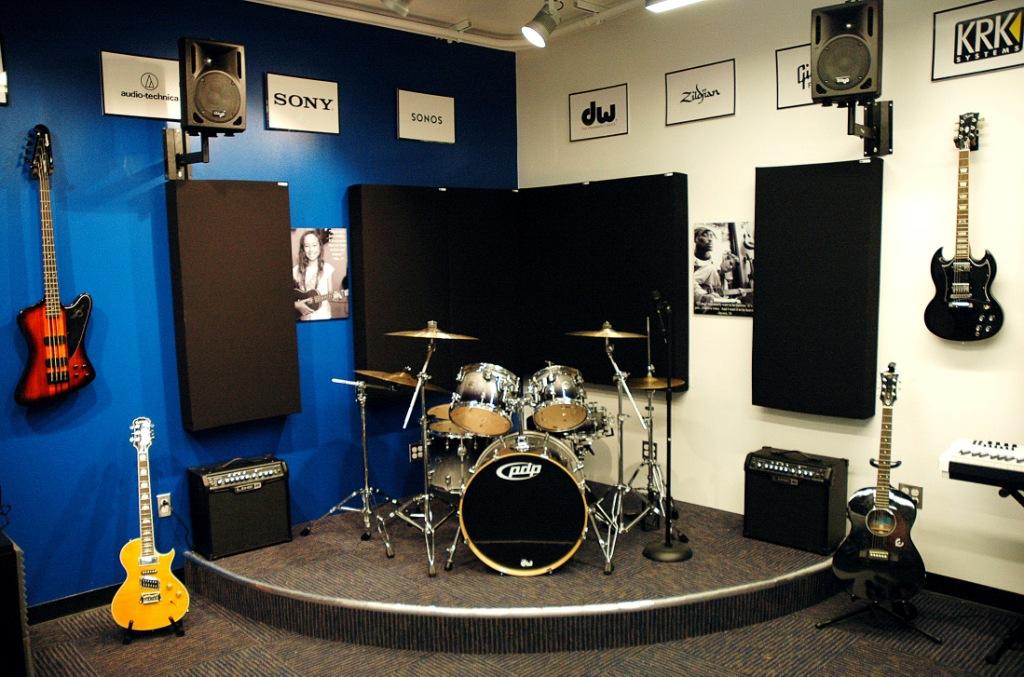 N4N-Ventura-Live-Room-GIK-Acoustics-244-Bass-Trap