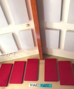 Les panneaux acoustiques GIK Acoustics 242 d'Eric Severn montés au plafond