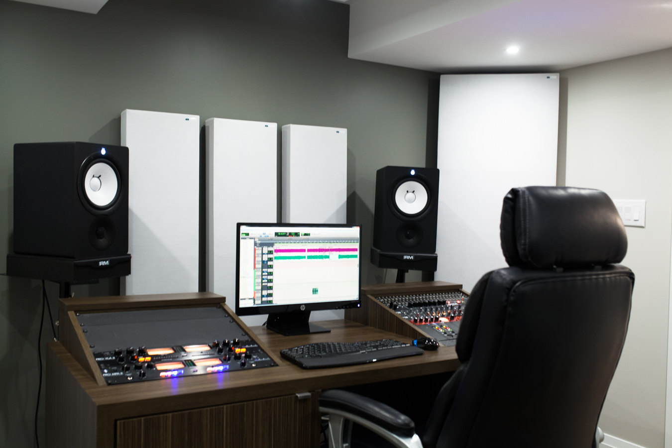 Panneaux Acoustiques et Bass Traps GIK Acoustics dans un Studio